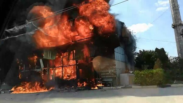 Пожар в автосервисе на улице Хрусталева в Севастополе