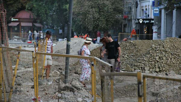 Пешеходы на улице Александра Невского