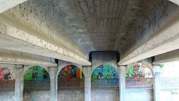 Подземный переход на ул. Шмидта в Симферополе до реконструкции. Архивное фото.