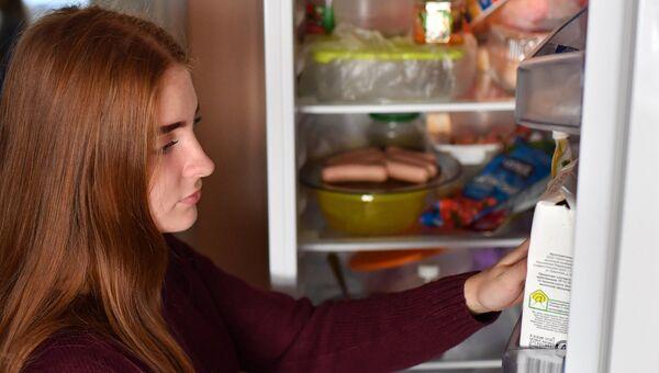 Продукты в холодильнике. Архивное фото.