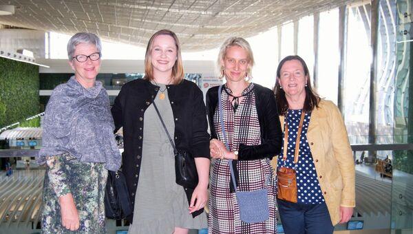 Прапраправнучки Айвазовского Аманда Роджерс и Люси Энн Бастекки со своими дочерями Джорджией и Фредерикой