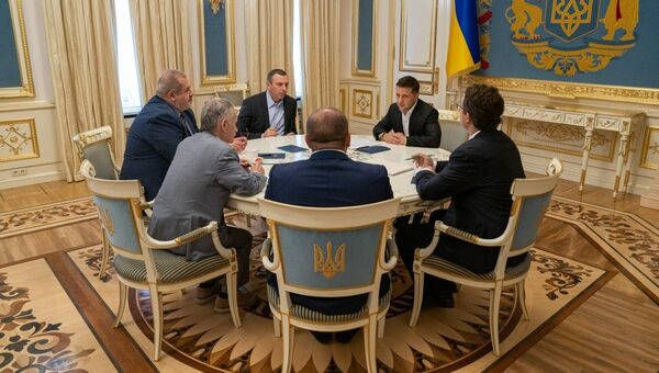 Встреча президента Украины Владимира Зеленского с представителями меджлиса*