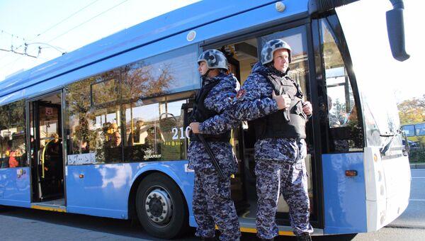 В Севастополе тревожная кнопка спасла водителя троллейбуса от дебошира