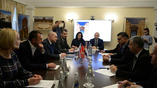 Развожаев проводит переговоры с делегацией из Сирии