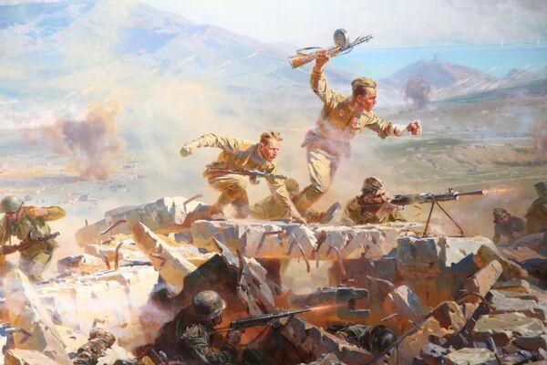 Исторической основой полотна стали события, которые происходили на левом крыле Сапун-горы в 19.30 7 мая 1944 года. Самые ожесточенные боевые действия разворачиваются в центре картины – показан прорыв на вражеские укрепления на основном гребне горы.