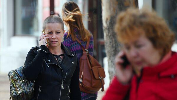 Женщины на улицах Симферополя