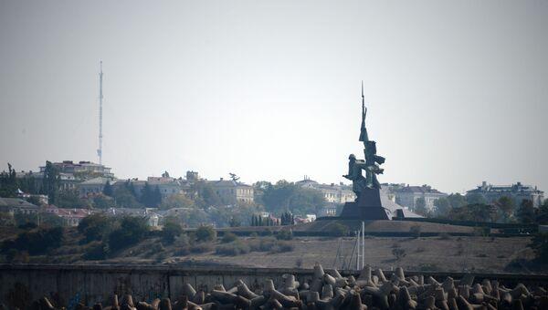 Памятник Солдату и Матросу на мысе Хрустальном в Севастополе