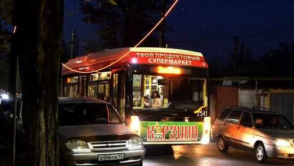 В Симферополе замкнуло троллейбусную линию