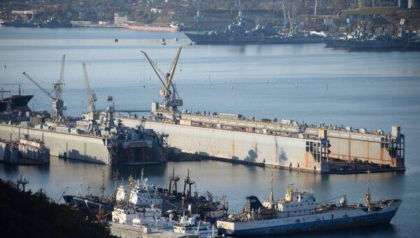Вид на порт Севастополя