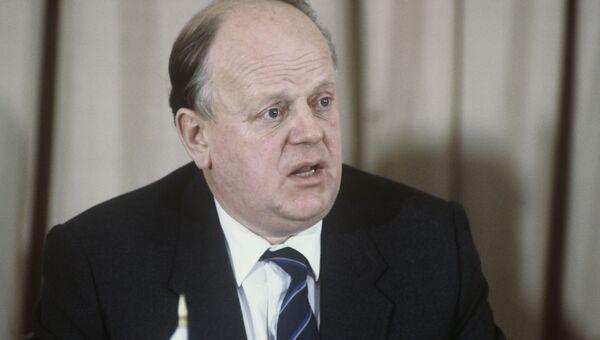 Председатель Верховного совета Республики Беларусь Станислав Шушкевич. Архивное фото