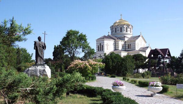 Свято-Владимирский собор и памятник апостолу Андрею Первозванному в Херсонесе