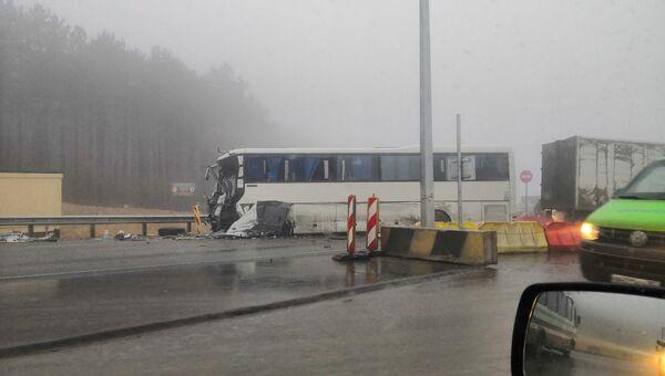 На Тавриде в тумане столкнулись автобус и грузовик