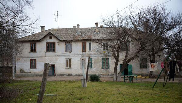 Аварийный дом на улице Паршина в Севастополе