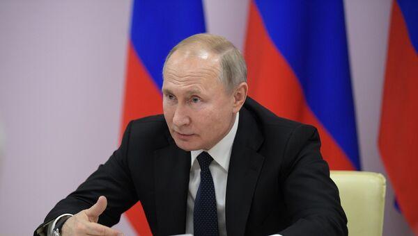 Рабочая поездка президента РФ В. Путина в Южный федеральный округ