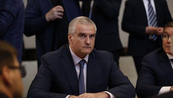 Глава Республики Крым Сергей Аксенов на совещании президента РФ Владимира Путина в Ялте