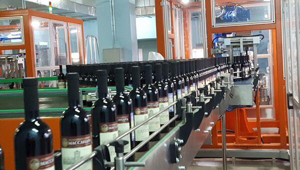 На предприятии Массандра запустили новый цех розлива, оборудованный роботизированным комплексом