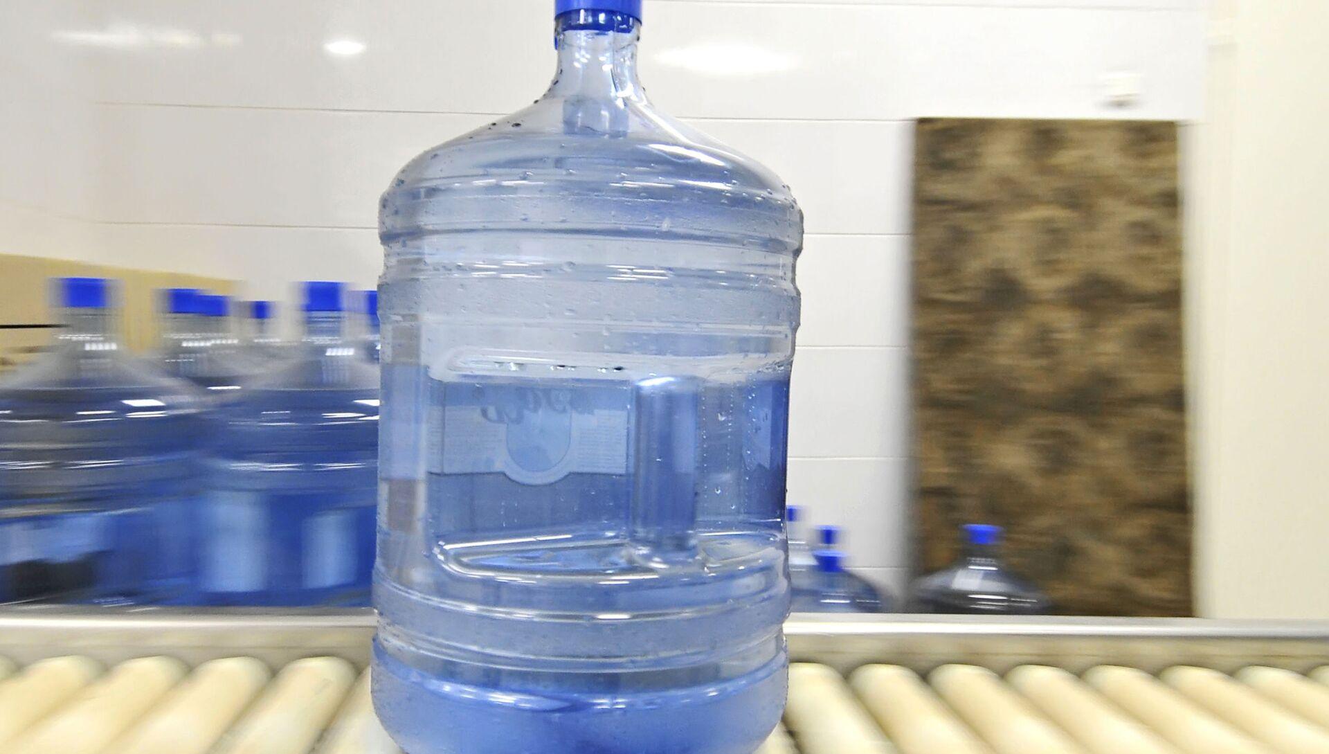 Производство питьевой воды. Архивное фото - РИА Новости, 1920, 22.09.2020