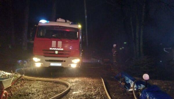 Пожарные спасли пенсионера из горящей квартиры в Керчи