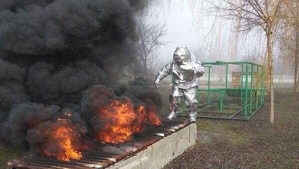 Как сотрудники МЧС готовятся к работе на пожарах – фотофакт