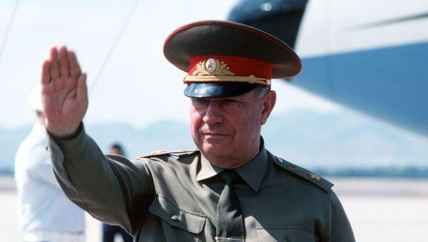 Министр обороны СССР Дмитрий Язов во время визита в США, 1989 год.