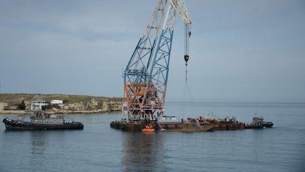 Подъем торпедного катера Г-5 времен ВОВ со дна Карантинной бухты