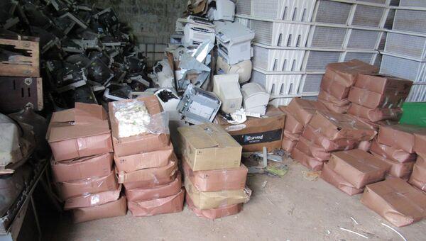 В Крыму сожгли 600 кг просроченных и обезличенных сыров и сала