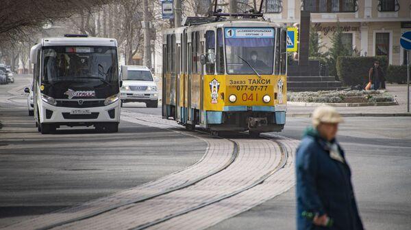 Евпатория трамвай весна