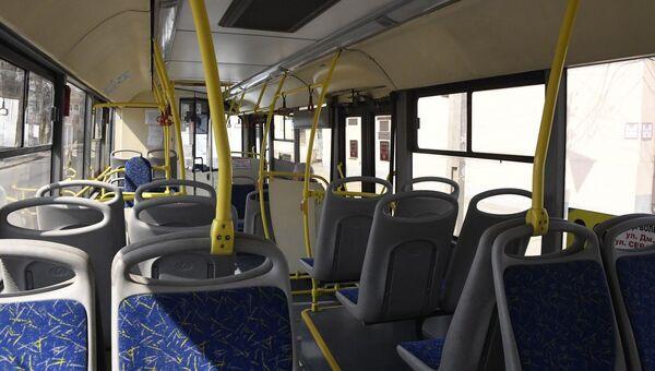 Пустой автобус изнутри