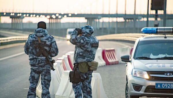 Блок-пост а Крымском мосту