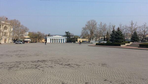 Площадь Нахимова в Севастополе во время режима самоизоляции