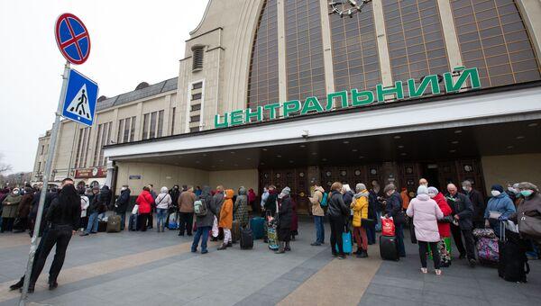 Спецпоезд отправился из Киева в Москву в связи с коронавирусом