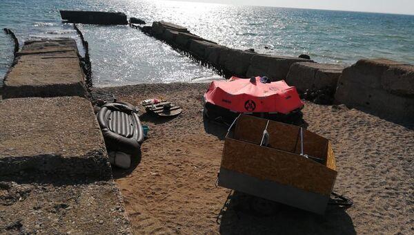Мужчина пытался самоизолироваться в палатке на пляже в Евпатории