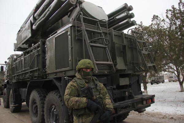 Зенитно-ракетные комплексы С-400 Триумф развернуты на территории воинской части в Джанкое. 29 ноября 2018