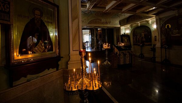Пасха утро карантин свечи пустой храм