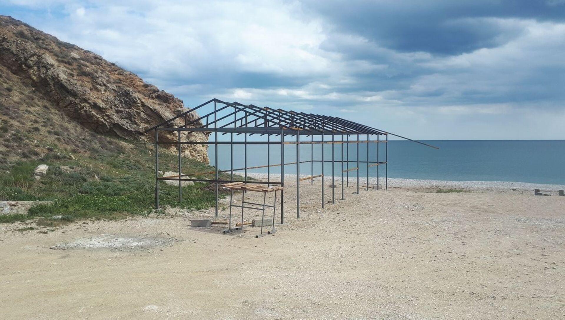 Несчастный пляж Коктебеля: почему в Крыму строят у воды - РИА Новости, 1920, 25.04.2020