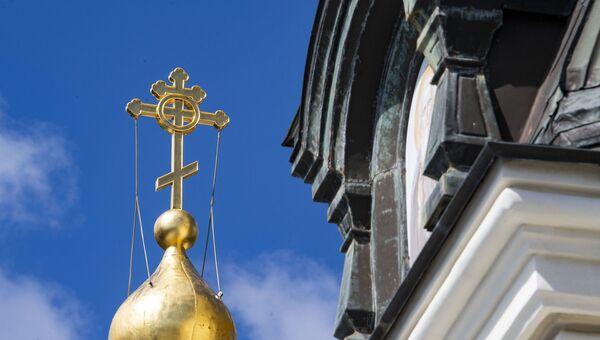 Православный крест золотой купол