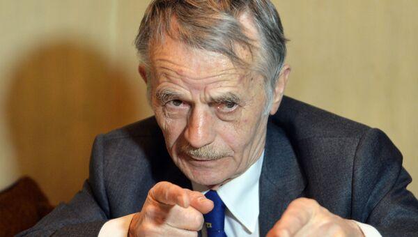 Мустафа Джемилев во время его интервью для AFP в Киеве 6 мая 2014 года.