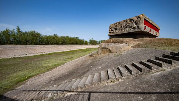 Северо-Крымский канал без воды весна стелла Красноперекопск