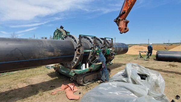 Работа по ремонту гидроузла на ивановском водоводе в Крыму