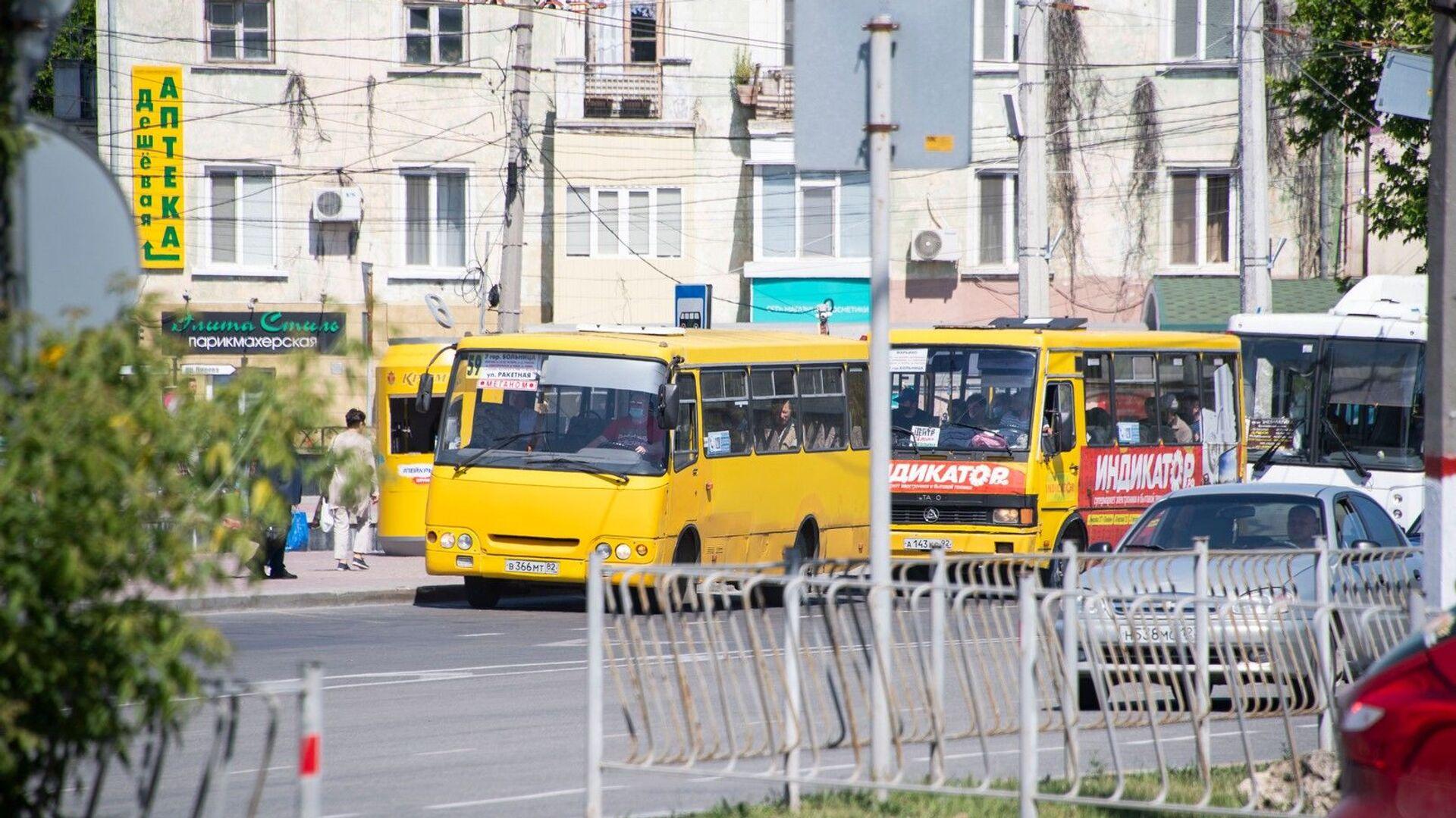 Автобус город улица транспорт - РИА Новости, 1920, 06.10.2021