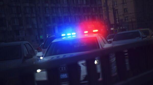 Мигалка на крыше автомобиля полиции