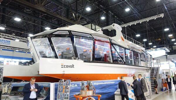 Электрический катамаран Ecovolt