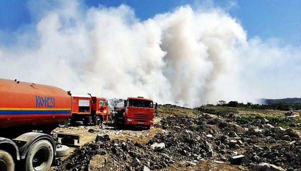 В Керчи ликвидировали крупный пожар на полигоне отходов