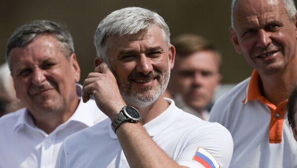 Министр транспорта РФ Евгений Дитрих на церемонии открытия движения грузовых поездов по Крымскому мосту