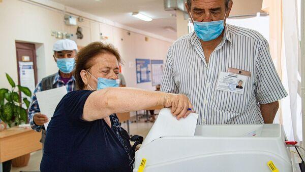 На избирательном участке в основной день голосования