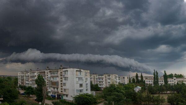 Гроза в городе Саки, Крым