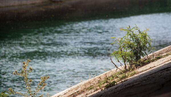 Северо-крымский канал с водой