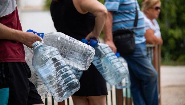 Даже городскую питьевую воду невозможно употреблять без очистки.
