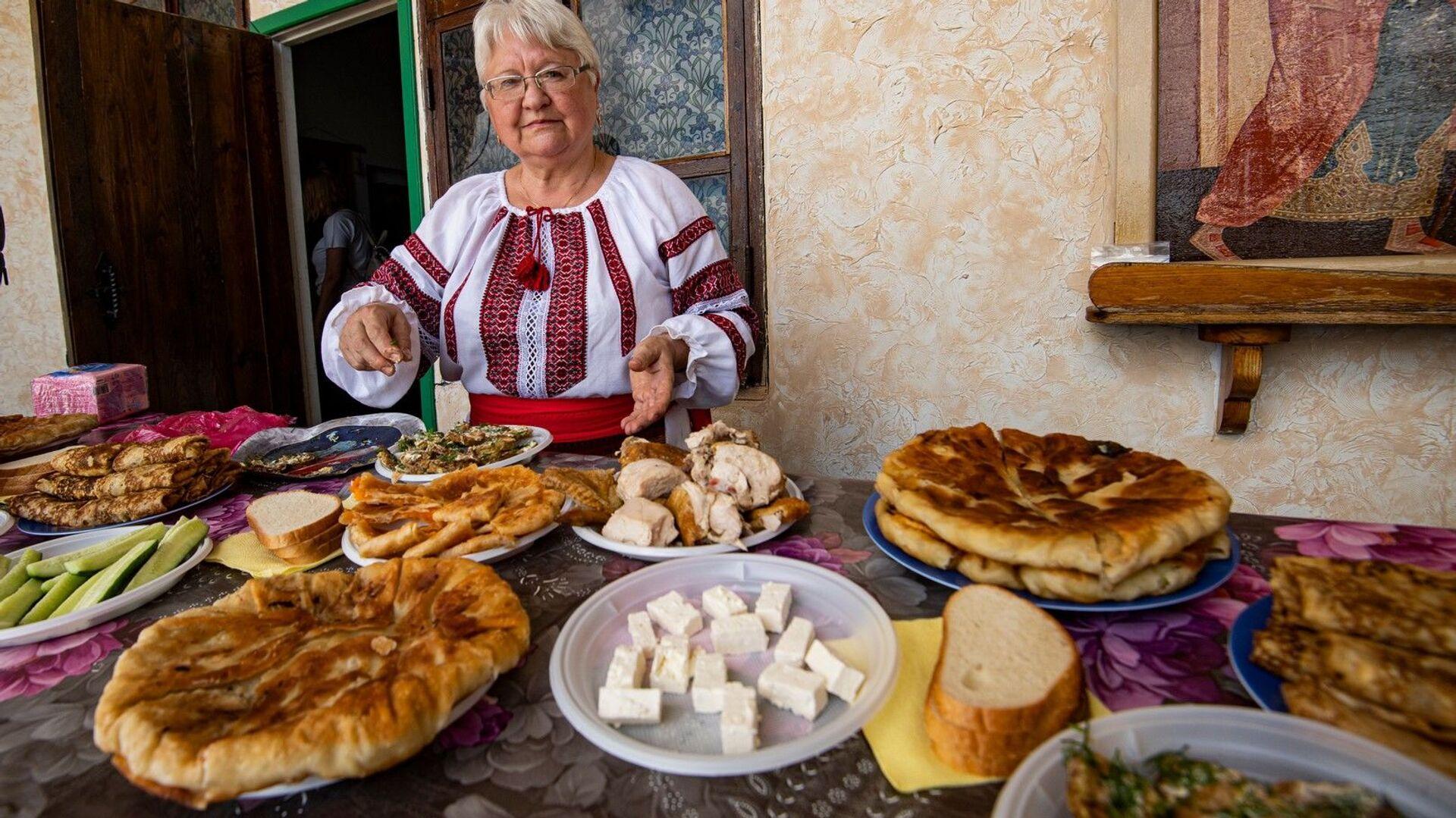 На поминальном обеде в честь погибших молдавских воинов подавали блюда молдавской кухни - РИА Новости, 1920, 04.09.2021