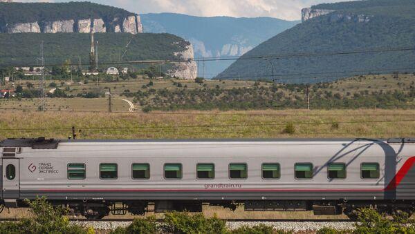 Поезд в Крыму. Архивное фото